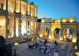 Kusadasi: Evening in Ephesus