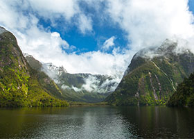 Scenic Cruising Fiordland National Park, New Zealand   Doubtful Sound