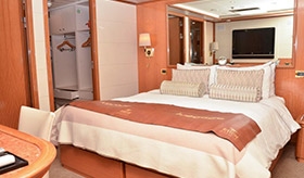 Cruise Bridge Suite